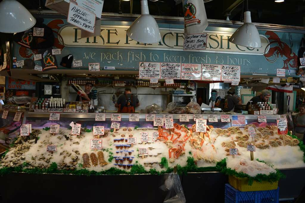 Pike Place Fish Co., Pike Place, Seattle, US